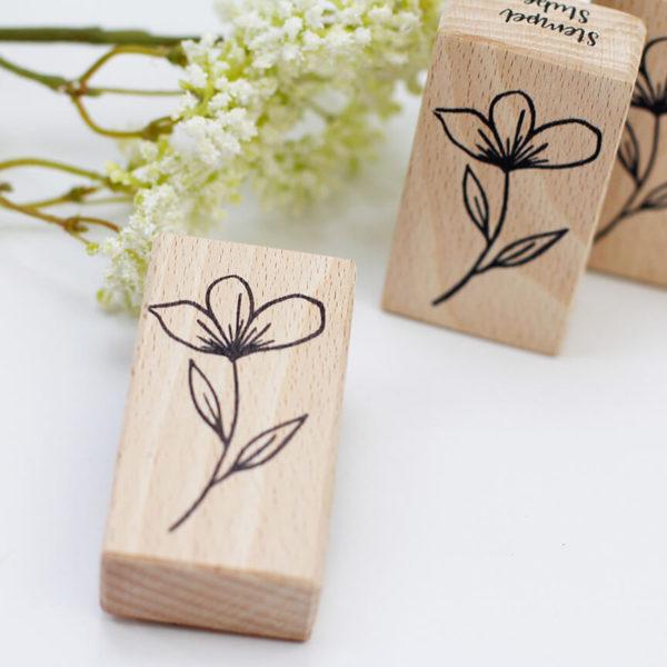 Holzstempel Blume | Unsere kleine Bastelstube - DIY Bastelideen für Feste & Anlässe