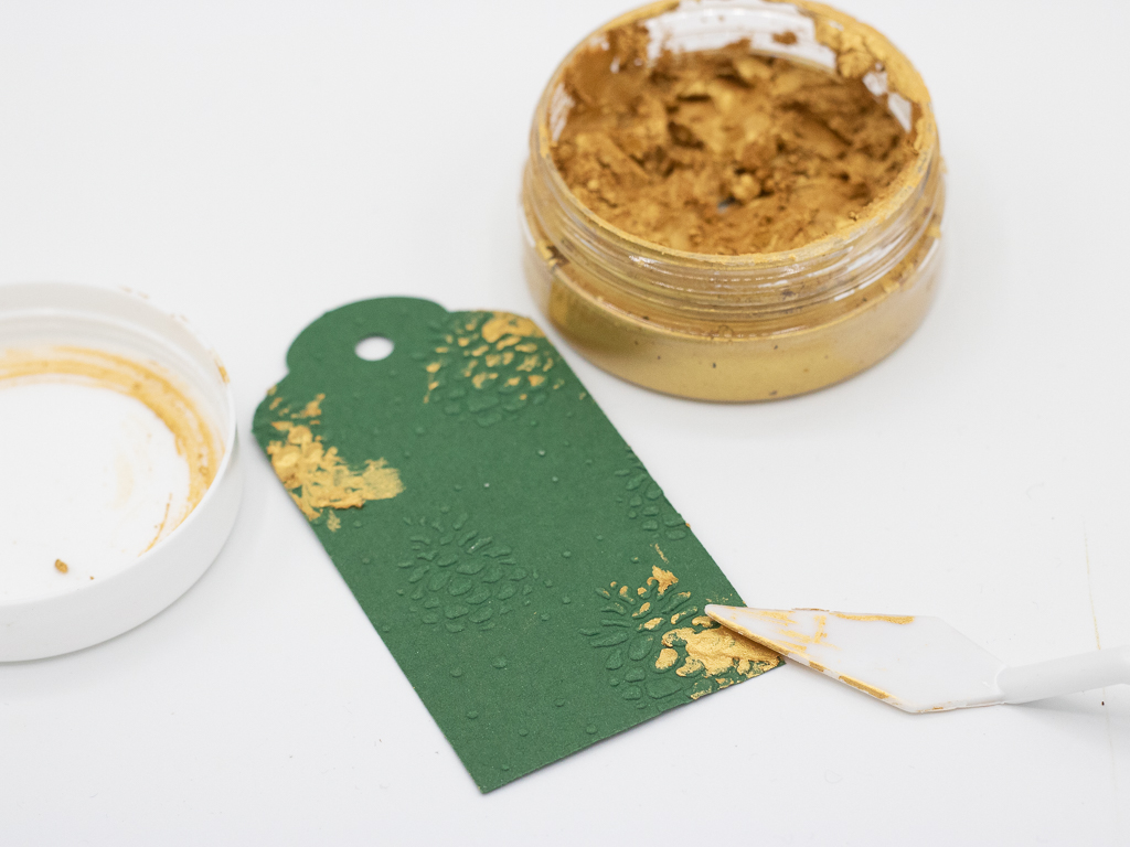 Geschenkanhänger selber basteln und dekorieren mit Gold