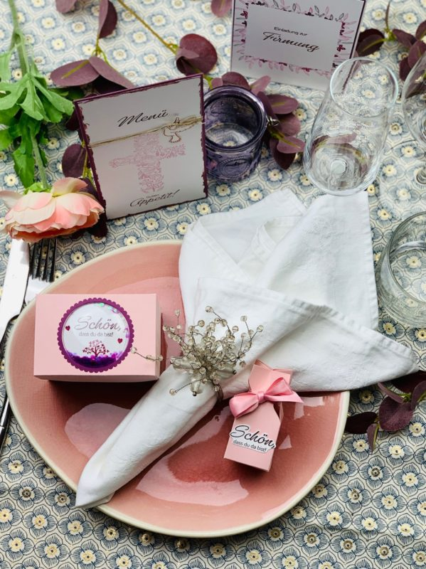 Einladung & Tischdeko zur Firmung in Beerentönen | Unsere kleine Bastelstube - DIY Bastelideen für Feste & Anlässe