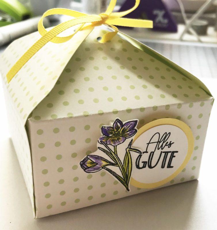 Verpackung für Geburtstagsgeschenk einfach selber basteln | Unsere kleine Bastelstube - DIY Bastelideen für Feste & Anlässe