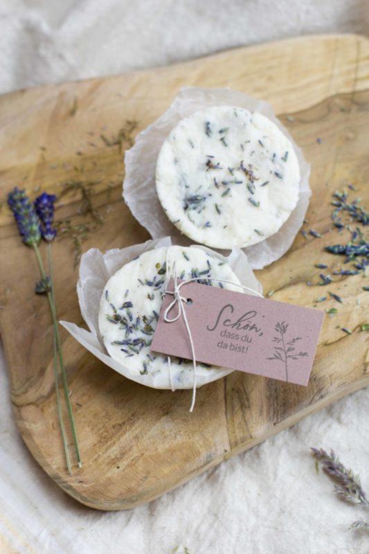 seife-selber-machen-lavendel-gastgeschenk-diy-geschenk