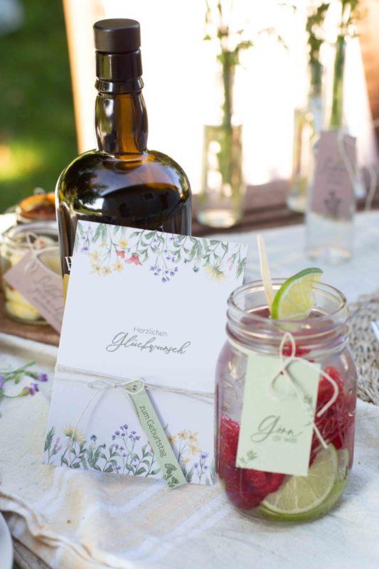 einladung-tischdeko-wiesenblumen-selber-machen-bastelidee-diy