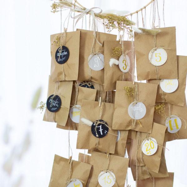 DIY Adventskalender mit Flachbeutel aus Kraftpapier selber machen