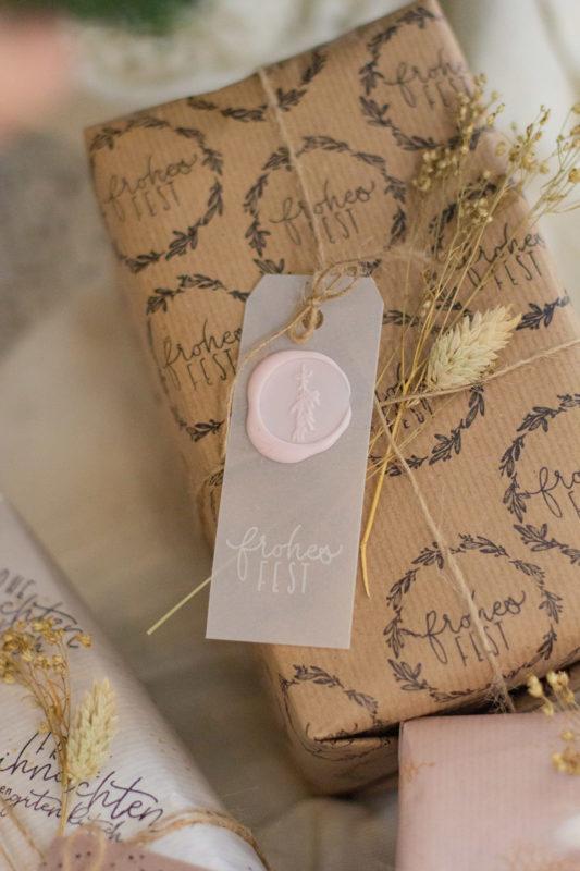 Siegel selber machen und Geschenke für Weihnachten verpacken