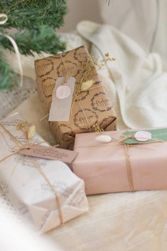 Geschenke verpacken mit Siegel
