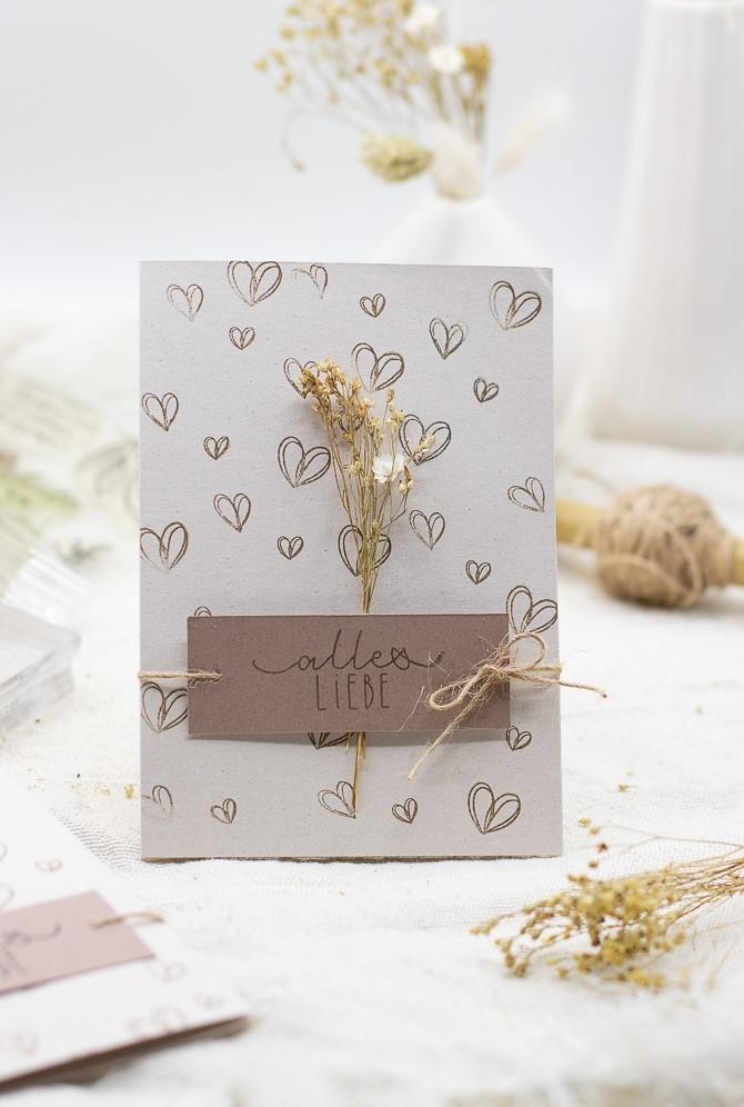 Karte mit Herzen selber basteln - für Valentinstag, Muttertag und Hochzeit