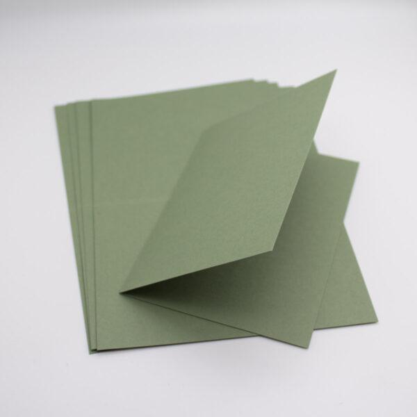 Olivgrüne Klappkarten mit einem Hochwertigen Papier