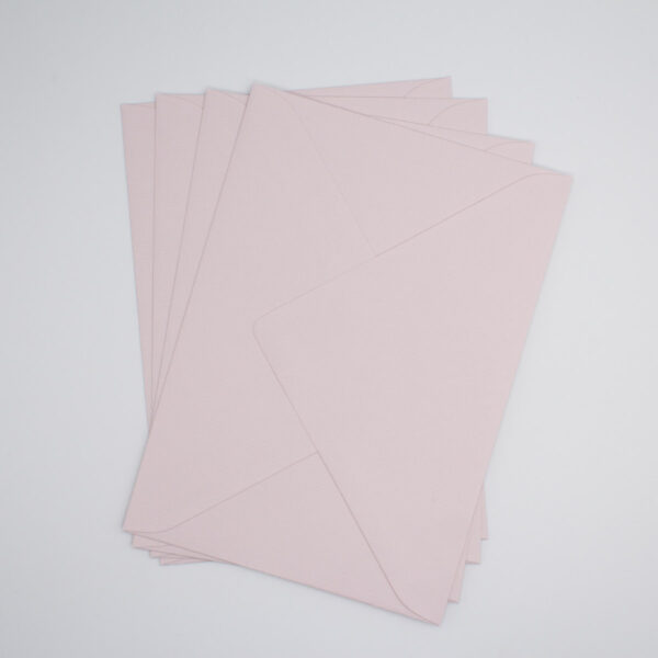 Briefumschlag Hellrosa für Babykarten