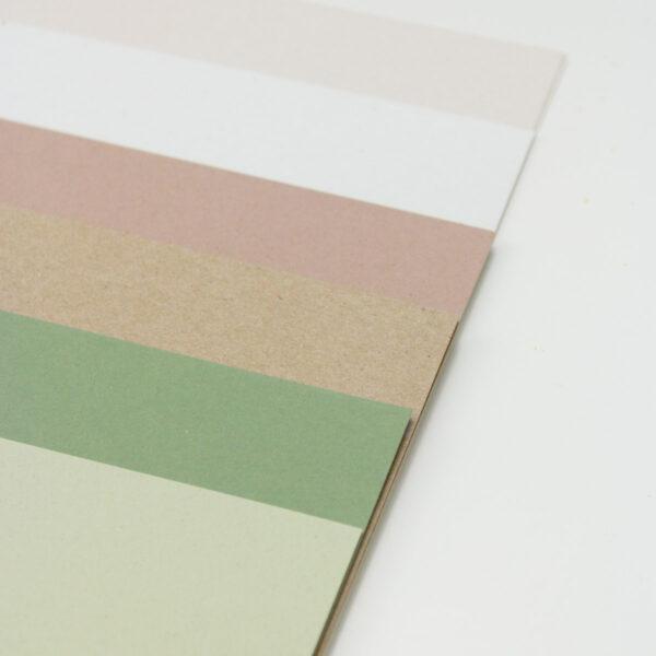 Papierset mit hochwertigem Papier in sechs Farbe,