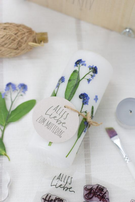 Geschenkanhänger für Kerze mit Trockenblumen - DIY