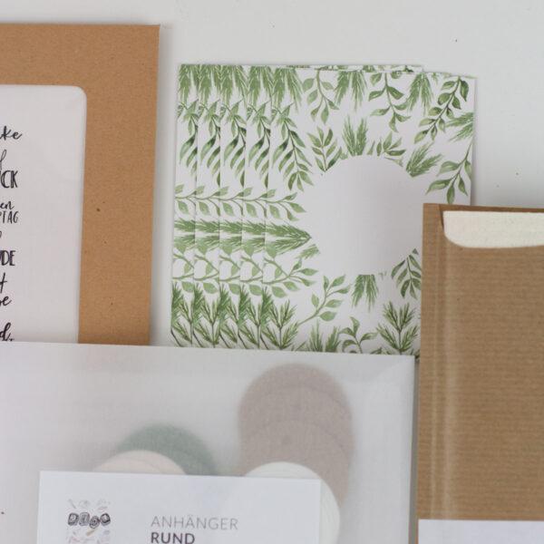 Freulebnis-Box-Kleine-Geschenke-Verpacken-Unsere-kleine-Bastelstube Kärtchen und Verpackungen